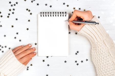 Décorations festives et carnet de notes