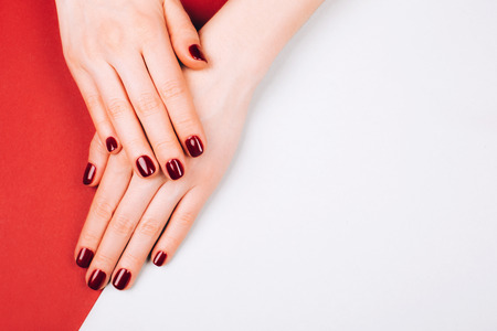 Bella manicure rossa