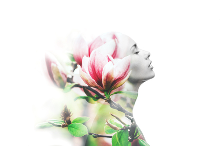 Exposición múltiple. Mujer y magnolia Foto de archivo