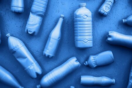 Plastic bottles in blue color. Eco concept. All bottles are in one color. Фото со стока - 135464675