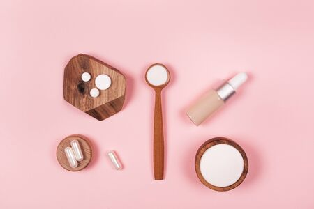 Different types of collagen. Powder, capsules and fluid. Фото со стока