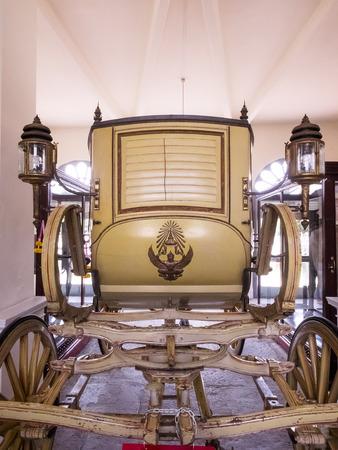 grand pa: Ayutthaya Thailand  Oct  23 2014 : A royal horsedrawn carriage inside Bang PaIn Royal Palace.