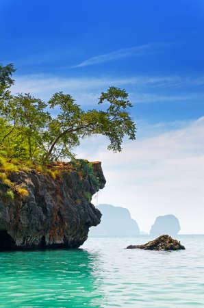krabi: Paesaggio di mare tropicale. Spiaggia Railay Thailandia, Krabi.