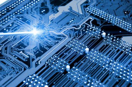 circuito electrico: placa azul. Resumen de la alta tecnolog�a Foto de archivo