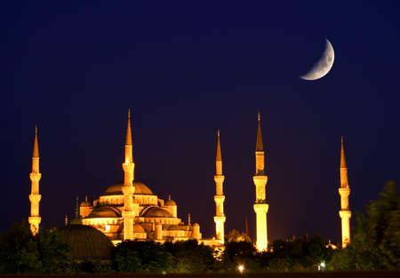 osmanisch: Blaue Moschee in Istanbul. Nachtszene. Lizenzfreie Bilder