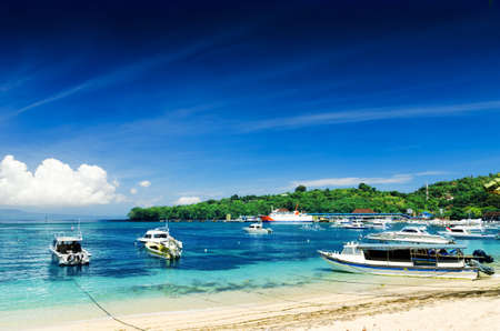 Tropischer Strand. Padangbai, Bali, Indonesien.