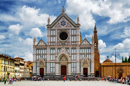 santa cross: The Basilica di Santa Croce (Basilica of the Holy Cross) on square of the same name in Florence, Tuscany, Italy. Florence is a popular tourist destination of Europe. Stock Photo