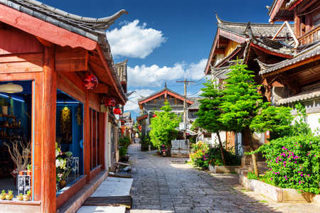 traditional house: Scenic street in the Old Town of Lijiang, Yunnan province, China. The Old Town of Lijiang is a popular tourist destination of Asia.
