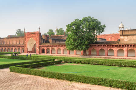 Scenic view of courtyard of the Agra Fort, India. Awesome Mughal architecture. The fort is a popular tourist attraction of South Asia. Publikacyjne