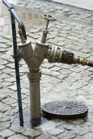 borne fontaine: bouches ouvertes sur la rue Banque d'images