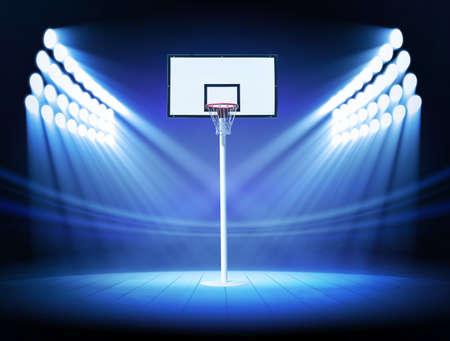 cancha de basquetbol: Aro de baloncesto con focos Foto de archivo