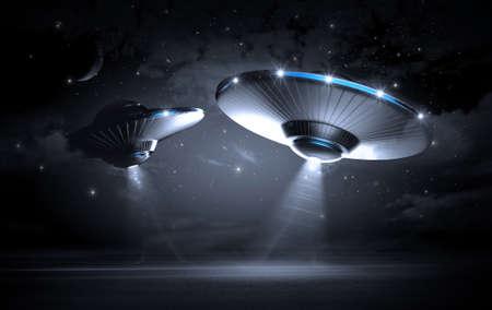 어두운 밤에 UFO 스톡 콘텐츠 - 35763347
