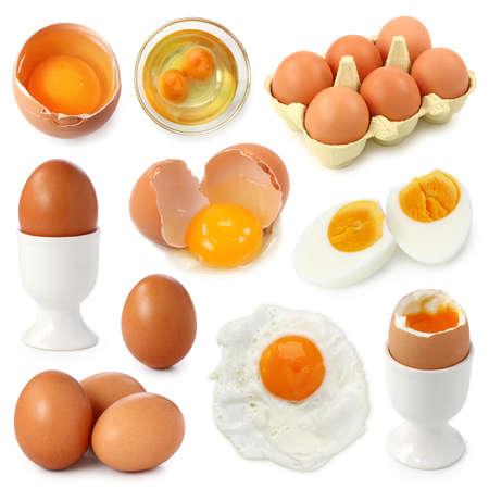 huevos fritos: Colecci�n de huevo aislada sobre fondo blanco