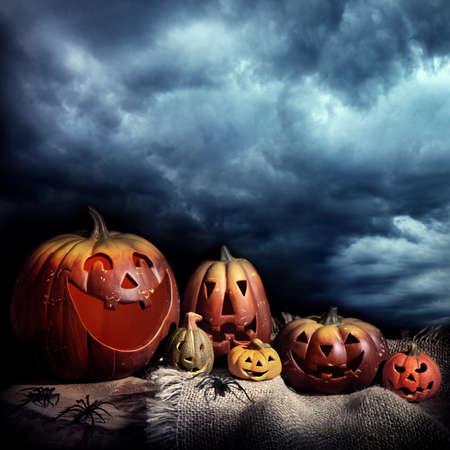 citrouille halloween: Citrouilles d'Halloween, la nuit Banque d'images