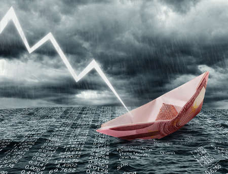 derrumbe: Hundimiento del buque de euros. Crisis concepto Foto de archivo