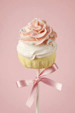 Cupcake Colorful appare sul rosa photo