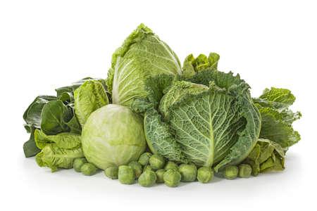 cabbage: Assortiment van verse kool op een witte achtergrond