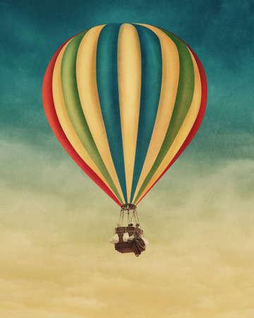 vintage: Balão de ar quente no céu