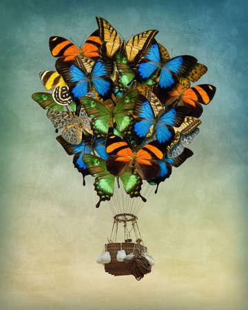 imaginacion: Alta del globo del aire caliente de la mariposa en el cielo