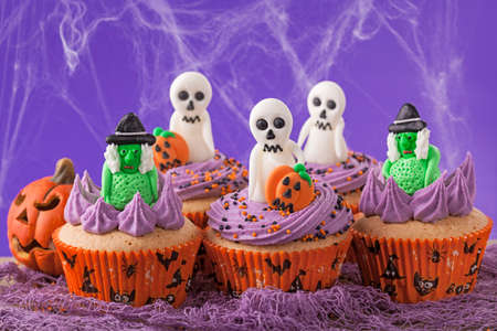 Halloween cupcakes with witches and  ghosts