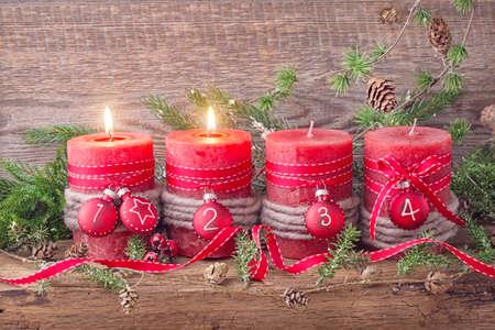 motivos navide�os: Cuatro velas de Navidad rojo de llegada