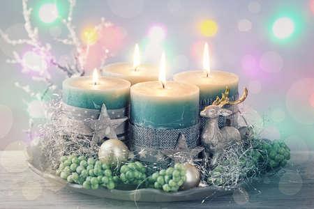 kerze: Vier grüne Weihnachtskerze für Advent Lizenzfreie Bilder
