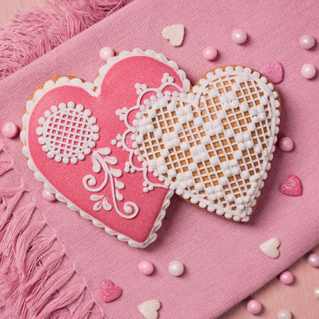 gingerbread heart: Gingerbread heart cookie on a pink background