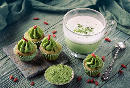biscuits: Matcha cup cakes with goji berry and matcha latte