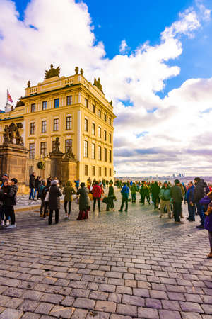PRAGUE, CZECH REPUBLIC - 1.12.2018: Prague castle square near the castle entrance. Hradcany in czech speak. Residence of Czech republic president. 스톡 콘텐츠 - 117656756