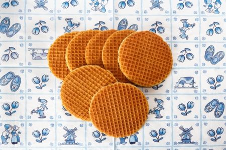 delftware: Dutch  treacle waffles on Delft Blue background Stock Photo