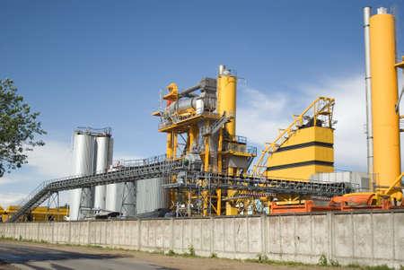 tar: Bitumastic macadam mixing modular plant Stock Photo