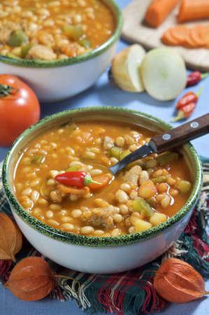 spicey: Una ciotola di peperoncino fagioli e verdure