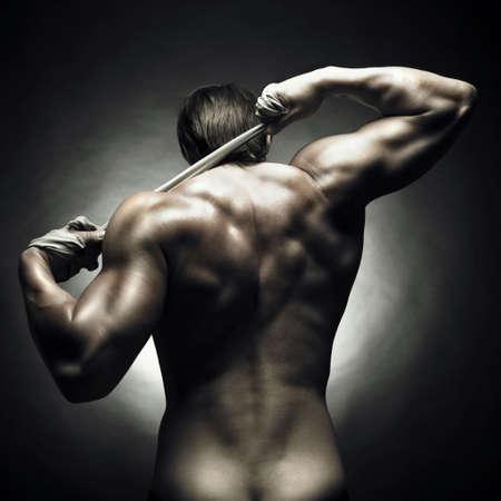 desnudo masculino: Foto del atleta con fuerte cuerpo