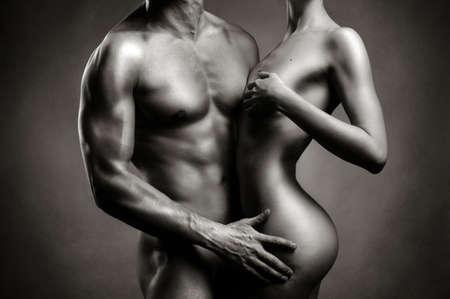 mujeres negras desnudas: Art foto de una pareja sexy desnuda en la tierna pasi�n