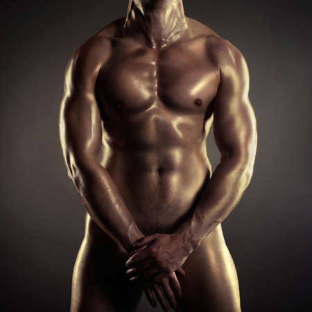 uomo nudo: Poto di nudo atleta con forte corpo