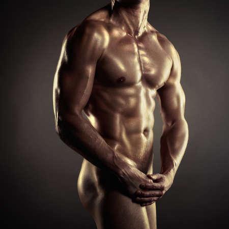 homme nu: Photo de l'athl�te nu avec un corps solide Banque d'images