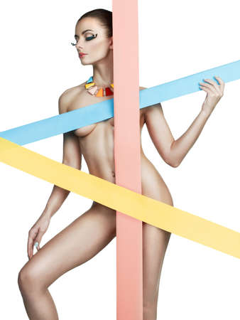 naked young women: Мода Арт-фото обнаженной леди с цветами полосами