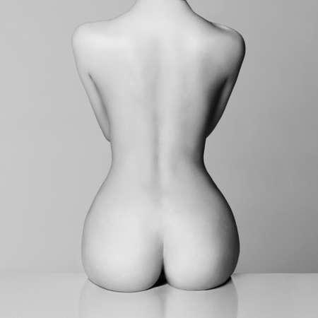 Perfekten weiblichen Körper mit schönen nackten Beute Standard-Bild - 37753499