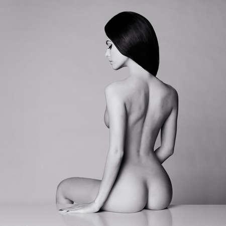 junge nackte m�dchen: Fashion art Studio-Foto von eleganten nackte Dame