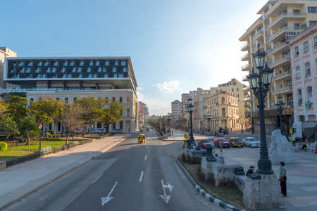 Entrance of Paseo del Prado Avenue in Havana where the new Packard Hotel was remodeled. Today is one of the most luxurious hotels in the city. Havana. Cuba. 2019 写真素材 - 150565300