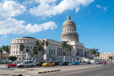 Traffic in avenue in front of the Capitol of Havana, one of the most visited areas in the city by tourists. Havana Cuba. January 2, 2019 写真素材 - 150565464