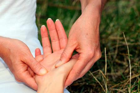 shiatsu massage of the hand