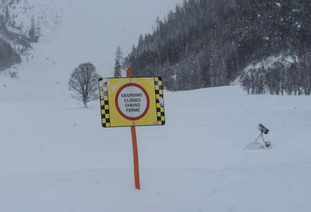 Ski piste closed sign, in german, english, italian and french language