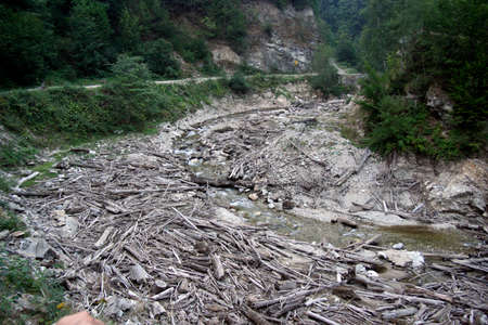 erosion and debris jamming after the flooding of a river
