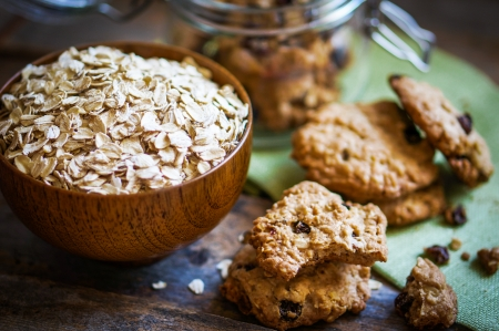 close up food: oatmeal cookies