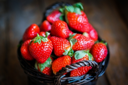 strawberries in basket photo