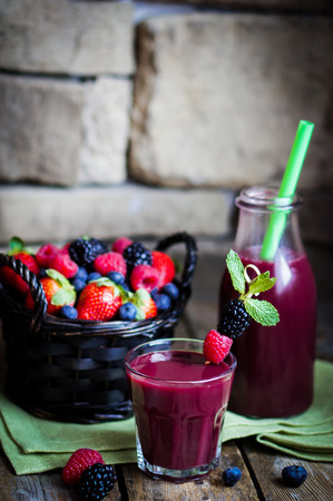 berry smoothie photo