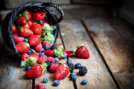 canasta de frutas: bayas