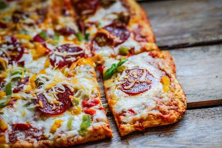 페퍼로니 피자 스톡 콘텐츠 - 26294816