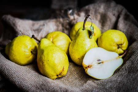 Pears Zdjęcie Seryjne - 57466407